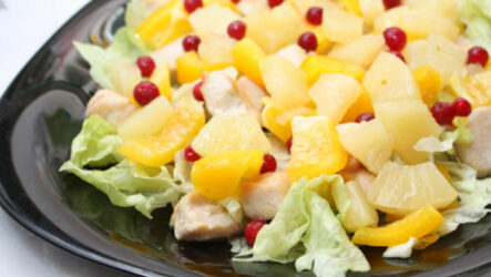 Cалат с курицей и ананасами: 2 рецепта