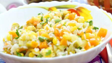 Салат с рисом и кукурузой: 3 рецепта