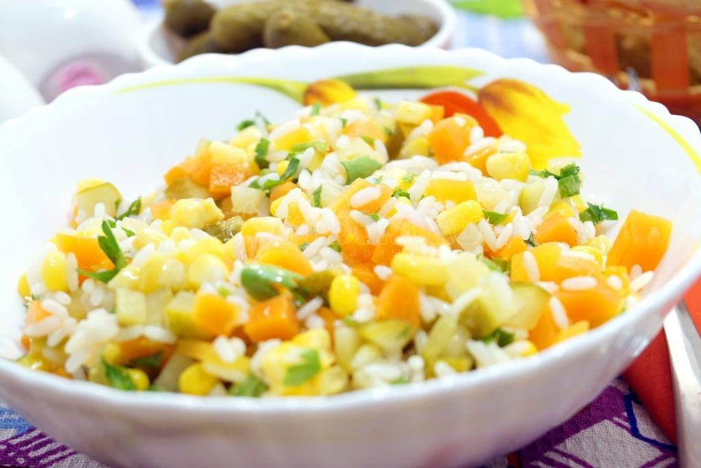 простые салаты из риса рецепты с фото ним