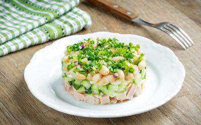 Салат с белой консервированной фасолью: 7 рецептов