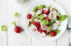 Салат с редиской: 9 рецептов