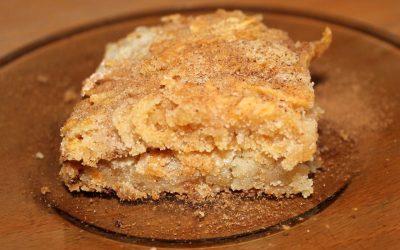 Самый простой яблочный пирог (без яиц)