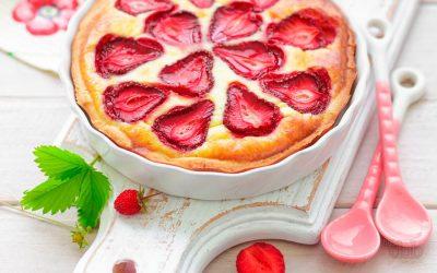 Пирог с клубникой: 6 простых рецептов