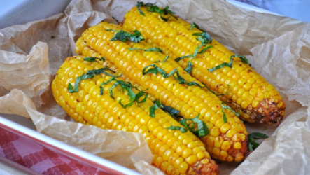 Кукуруза в духовке: 6 лучших рецептов