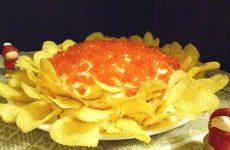 Самые вкусные салаты с чипсами: 12 рецептов