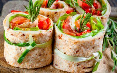 Роллы из лаваша: 10 рецептов с разными начинками