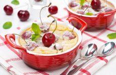 Клафути: 8 ягодных рецептов