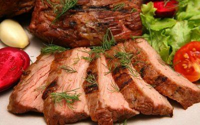 Сочная свинина в духовке: 10 вкусных рецептов