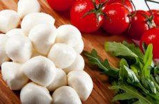 Домашняя моцарелла: 7 рецептов приготовления