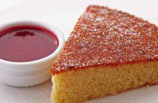 Манный пирог: 8 рецептов к чаю