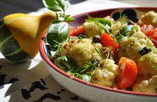 Салат из цветной капусты: 10 витаминных рецептов