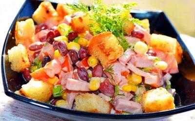 Салат из фасоли с сухариками: 7 рецептов + бонус