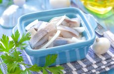 Как посолить селедку: 9 пряных рецептов