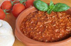 Соус Болоньезе: 7 ароматных рецептов
