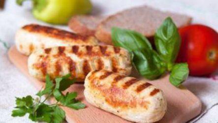 Домашние сосиски: 8 полезных рецептов