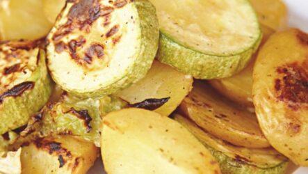 Кабачки с картошкой в духовке: 8 рецептов