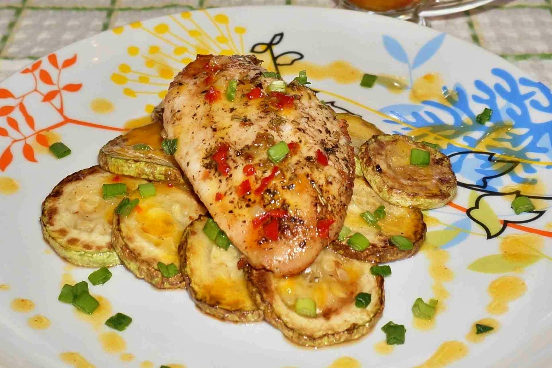 Приготовить кабачки вкусно в духовке с помидорами и сыром