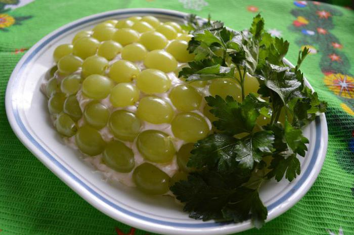 салат с овощами и виноградом рецепт