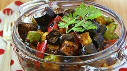 Зимние салаты из баклажанов и перца: 7 рецептов