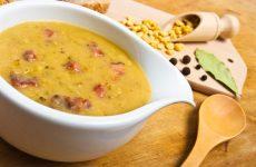 Гороховый суп с курицей: 7 рецептов к обеду
