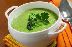 Суп-пюре из брокколи: 10 диетических рецептов