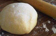 Тесто для домашних пельменей: 7 незаменимых рецептов