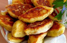 Картофельные пирожки: 8 сытных рецептов
