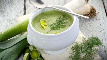 Суп с луком-пореем: 10 французских рецептов