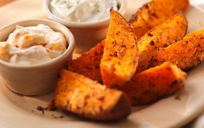 Картофельные дольки в духовке: 8 простых рецептов