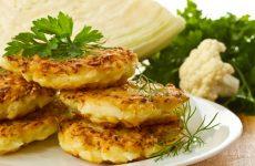 Оладьи из квашеной капусты: 7 хороших рецептов