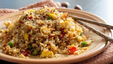 Жареный рис овощами: 9 аппетитных рецептов