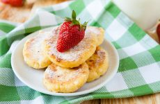 Сырники в мультиварке: 10 рецептов к завтраку
