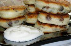 Сырники из творожной массы: 6 ленивых рецептов