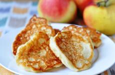 Сырники с яблоками: 8 свежих рецептов