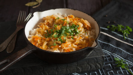 Тушеная капуста с рисом: 7 интересных рецептов
