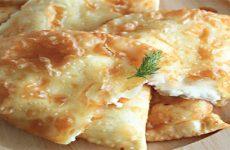 Чебуреки с сыром: 8 сытных рецептов