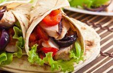 Тортилья с курицей: 7 рецептов начинок
