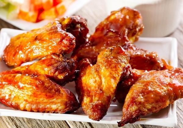 Куриные крылышки на сковороде: 10 ароматных рецептов |