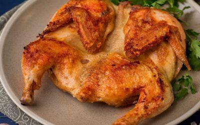 Цыпленок табака в духовке: 8 простых рецептов