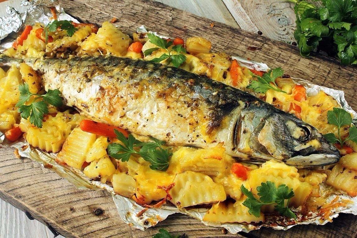 Рыбв с картофелем в духовке
