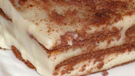Торт без выпечки со сметаной: 7 сладких рецептов