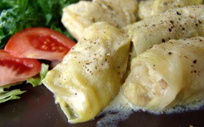Голубцы в сметанном соусе: 7 прекрасных рецептов