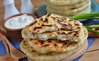 Хачапури на кефире: 8 рецептов из Грузии