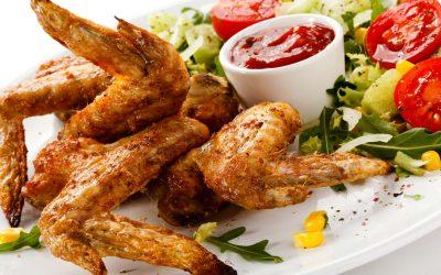 Хрустящие крылышки: 8 ароматных рецептов