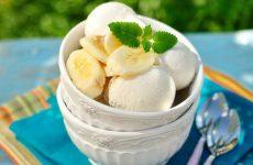 Банановое мороженое: 10 освежающих рецептов