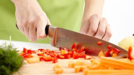 Как правильно выбрать кухонный нож, чтобы он служил долго