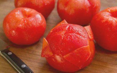 Как снять кожуру с помидора легко и быстро?