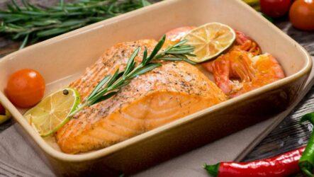 Лосось в духовке: 8 лучших рецептов