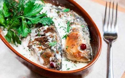 Как лучше приготовить карасей в сметане — 8 замечательных рецептов
