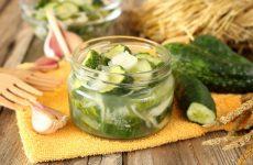 Как я делаю на зиму вкусный салат из огурцов— 8 рецептов